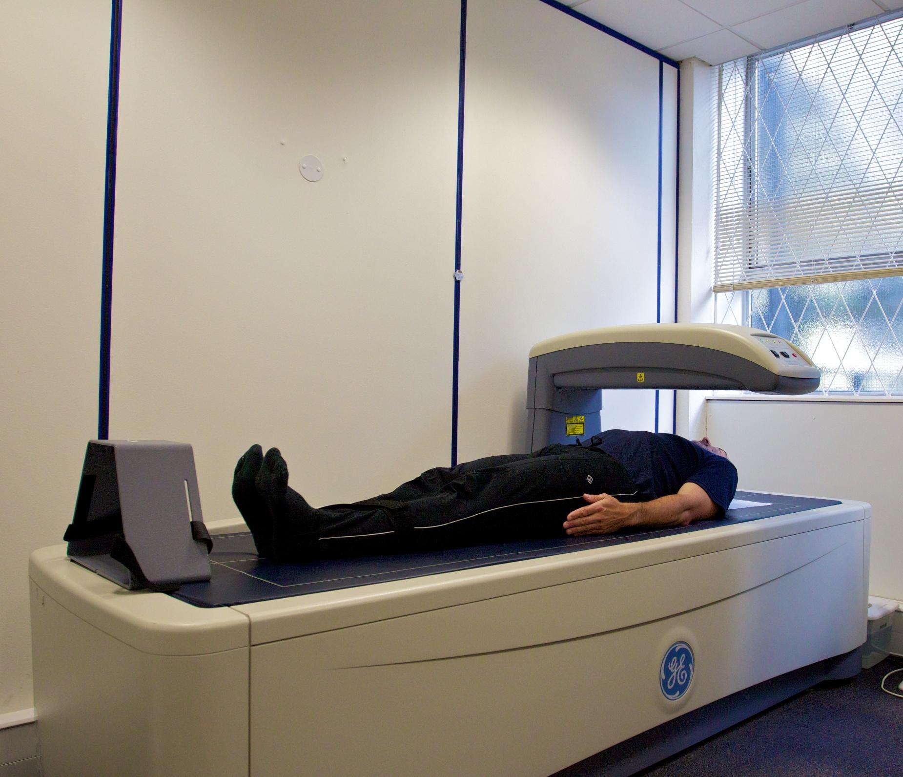 апарат за изследване остеопороза